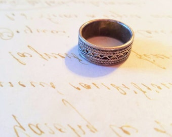 Sterling Silver Ring Band Size 7 Textured Vintage Jewelry