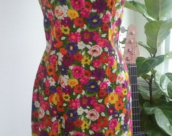 Late 60s TOHKI HAWAII—Bright Floral Wiggle Dress with Attached Capelet—Cotton—Made in Hawaii—Size 10