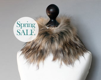 SALE 10% OFF Faux fur collar in beige and black. Faux fur neck warmer. Womens faux fur collar.