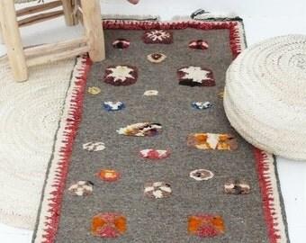 Small Moroccan Berber Akhnif Carpet - Origin Tazenakht Morocco - Handwoven Wool Rug