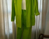 SALE REDUCED Make a statement, Bold Green Suit, What to Wear Brand, Casual Pant Suit, Womens Medium Size 12