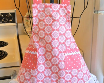 Girls Toddler Vintage Style Apron in Peach