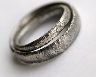 Rustic Wedding Bands Set