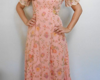 Vintage 1960s pink floral puff-sleeve prairie dress, size Small