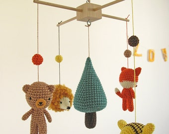 Woodland Mobile, Forest Hanging Nursery Baby Mobile, Wild Animal Mobile, Fox Bear Hedgehog Bee Crib Mobile