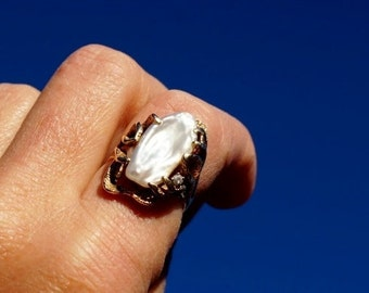 Biwa Pearl 14K Gold Freeform Ring 1960's