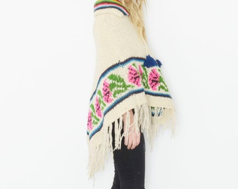 Vintage 70s Poncho , Chunky Knit Poncho , BOHO Festival Cape
