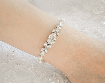 Bridal Bracelet, Pearl Wedding Bracelet, Crystal Bracelet, Clover Leaf Bracelet, Swarovski Pearl Bracelet, Rose Gold Wedding Jewelry,HARRIET