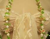 Reserved Vintage Late 1930s Lei Flower Celluloid Necklace / Celluloid Era / Floral & Lucite Leaf Bead Necklace /White Flower Plastic Beaded