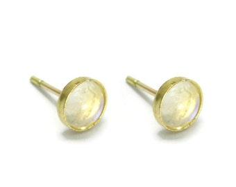 Moonstone gold earrings. 14k gold earrings. 6mm Moonstone post earrings. Moonstone stud earrings. Moonstone earrings. Moonstone jewelry
