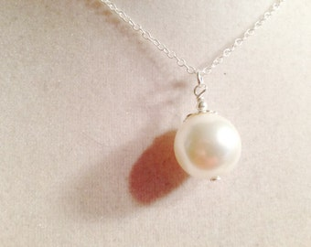 Pearl Necklace - Wedding Necklace - June Birthstone - Sterling Silver Jewelry - Mother of Pearl Jewellery - Pendant - Chain - Bride - White