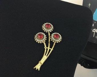 1950s Unusual Large Metal and Plastic Gold-tone Brooch Pin