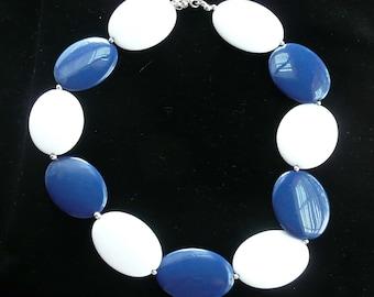 Lucite Necklace Dark Blue and White Discs Retro Vintage Fun