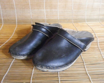 Vintage Black Leather Wooden Sole Clogs Made In Sweden - Size 37 Euro / US Woman 6 1/2
