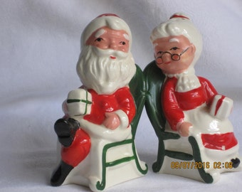 Mr and Mrs Santa Claus Vintage Salt and Pepper Shakers Christmas Salt and Pepper