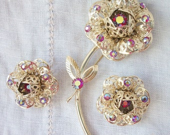 Fun ~ 'Fashion Flower' Brooch and Clip on Earrings Set Red AB 1970's era ~ Sarah Coventry ~ Red Aurora Borealis Rhinestones ~ Gold tone