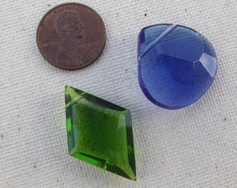 2 large Faceted Crystal glass beads / jewelry supply / destash / craft supply / charm / sparkle / mixed media / DIY / green / blue / destash