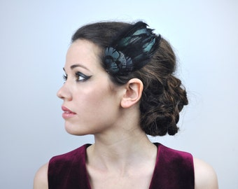 Feather Fascinator Hair Clip in Glossy Black