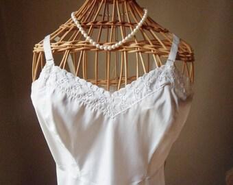 White Barbizon Ariel Slip, Full-Size Lacy Slip with Side Zipper, Size 34, Tafredda Slip Dress