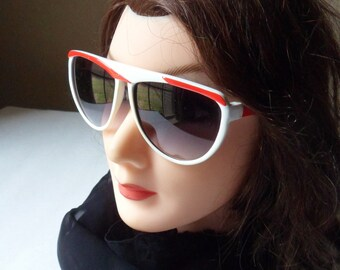 Retro Movie Star Sunglasses,  White Frame with Red Brows, Europen Glamour Glasses