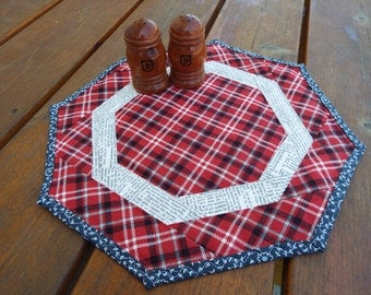 Table Runner, Table topper, quilted table runner, Dresser Scarf, plaid, newspaper print, Americana patriotic, small, octagon, cowboy