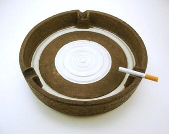 Huge Mid Century Modern Italian Ashtray Vintage Mod Signed Italy Bitossi Raymor Rosenthal Netter Art Pottery Ashtray Brown & White Bullseye