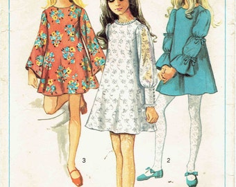 1960s Girl's Flared Dress Pattern Simplicity 8024. Trumpet Silhouette with Lace, Flared or Puff Sleeves. Size 8 Breast 22 inches.