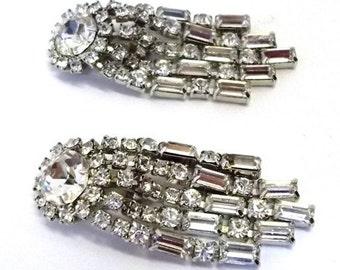 Vintage Clear Rhinestone Dangle Earrings Bridal Earrings Party Earrings Special Event Jewelry Wedding Jewelry Clip On Drop Earrings DD 874
