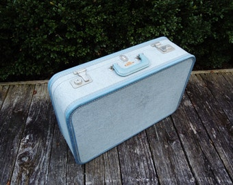 Vintage Blue Suitcase, Sky-Flite Hard Shell Luggage, Satin Fabric Interior Liner, Wedding Card Holder, Overnight Bag, 21 x 14 x 6 1/2