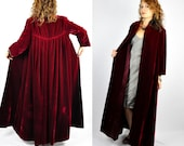 Vintage Coat Cloak Cape - Burgundy Red VELVET Coat - Floor Length - Pockets - Long Sleeves Theater Opera 30s 40s Sax Fifth Avenue size S M