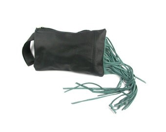 BUENOS AIRES Black leather clutch with brilliant green fringed (handle included)