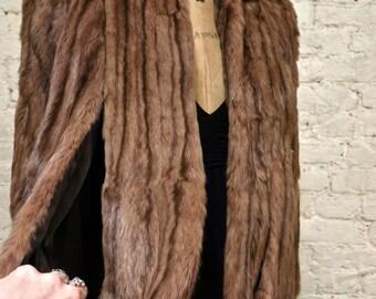 40s Rare Red Squirrel Fur Cape - Excellent Condition