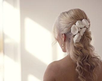 Hair accessories Silk flowers Bridal headpiece Wedding headpiece Bridal accessories Wedding hair pins Bridal hair Wedding accessories *P002*