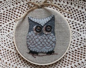 Hand Embroidered Owl Hoop Art on Burlap Linen, Appliqued Felt Owl, Embroidered Owl, Hoop Art, Owl Art, Hand Embroidery, OFG, FAAP, Wise Owl