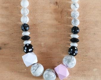 Howlite Bead Geo Necklace