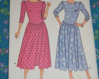 Butterick 3946 Misses Dress Sewing Pattern - UNCUT - Sizes 6 8 10