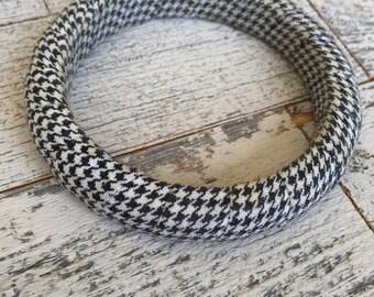 Vintage Houndstooth Bracelet - 70s Houndstooth - Bangle Bracelet - Houndstooth Pattern