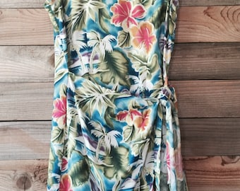 Retro Hawaiian Wrap-Around Dress - Cute!