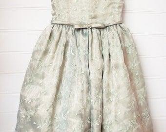 Vintage GirlsCclothes, Vintage Girls Dress, Easter Dress, Flower Girl Dress, Sage Green Dress, Size 2 Toddler,  Green Party Dress.