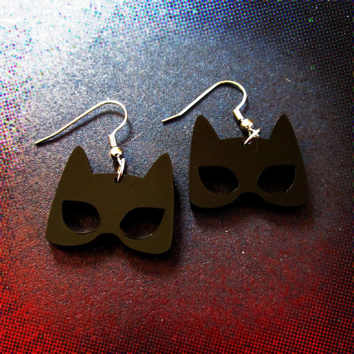 Silhouette Earrings: Catwoman Black Mask Silhouette Shape Earrings Cowl Cat Woman