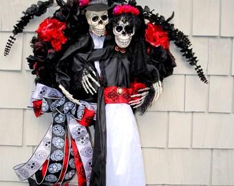 Halloween Wreath, Day of the Dead, Dia de los Muertos Wreath Skeleton Bride and Groom, Halloween Bride and Groom