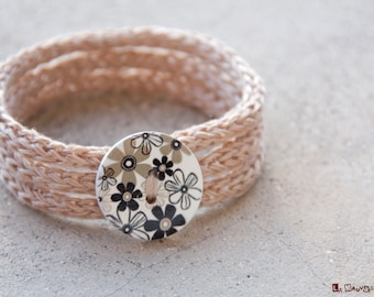 French knitted | tripple bracelet with button | linen | flower button