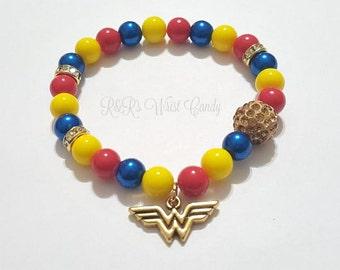 Wonder Woman Beaded Bracelet, Super hero Bracelets, Stretchy, Halloween,Handmade Women gifts,Custom Beaded Jewelry