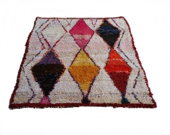 "79""X67"" Vintage Moroccan rug woven by hand from scraps of fabric / boucherouite / boucherouette"