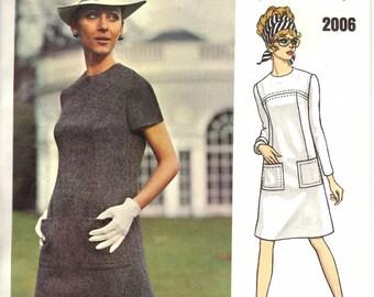 Vintage Vogue 1960s Couturier Design Dress Pattern / Sybil Connolly of Dublin / Vogue 2006 / Size 12