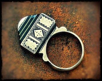 Tuareg Tisek Silver Ring with Ebony And Beautiful Decorations - Tuareg Silver Ring - Tuareg Jewelry - Ethnic Tribal Ring