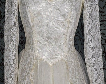 1950s Vintage Satin & Lace Bodice w Illusion Neckline and Tulle Wedding Gown Dress over Satin Skirt