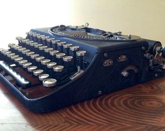 1925 Remington Portable Typewriter w Case