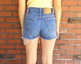 Vintage LEVIS Shorts 29 Waist