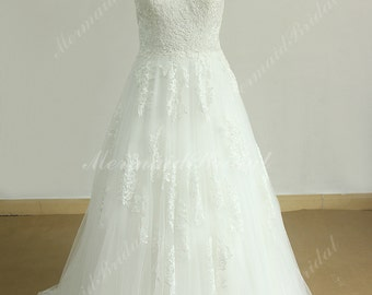 Romantic ivory/off white A line V cutting neckline tulle lace wedding dress with cap sleeves